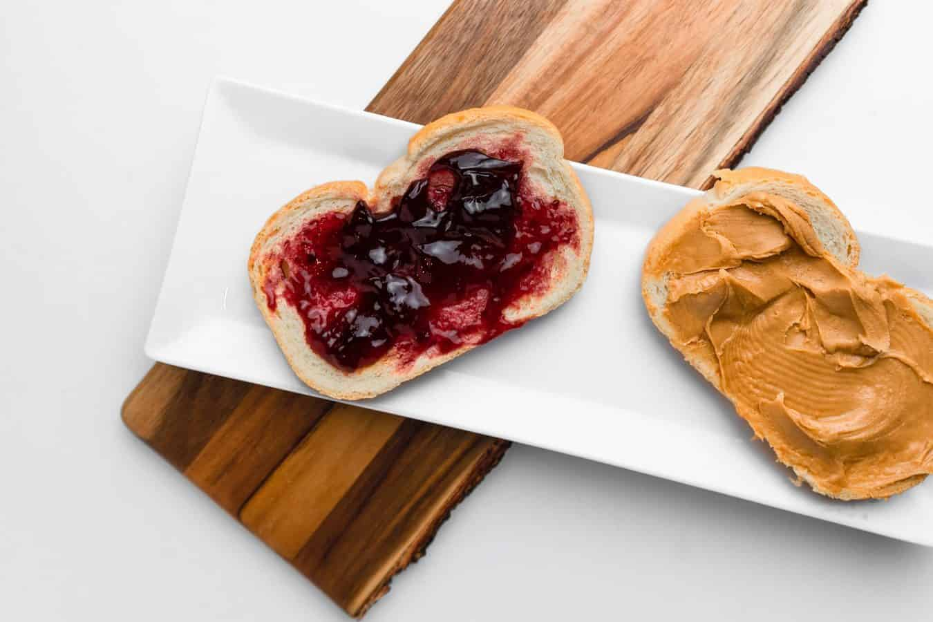 peanut-butter-and-jelly-sanwich